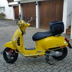 Meine gelbe Vespa