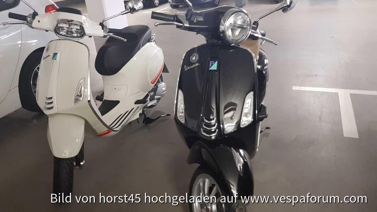 Vespa Sprint 125 3V iGet ABS (weiß ist meine, schwarz meine Frau)