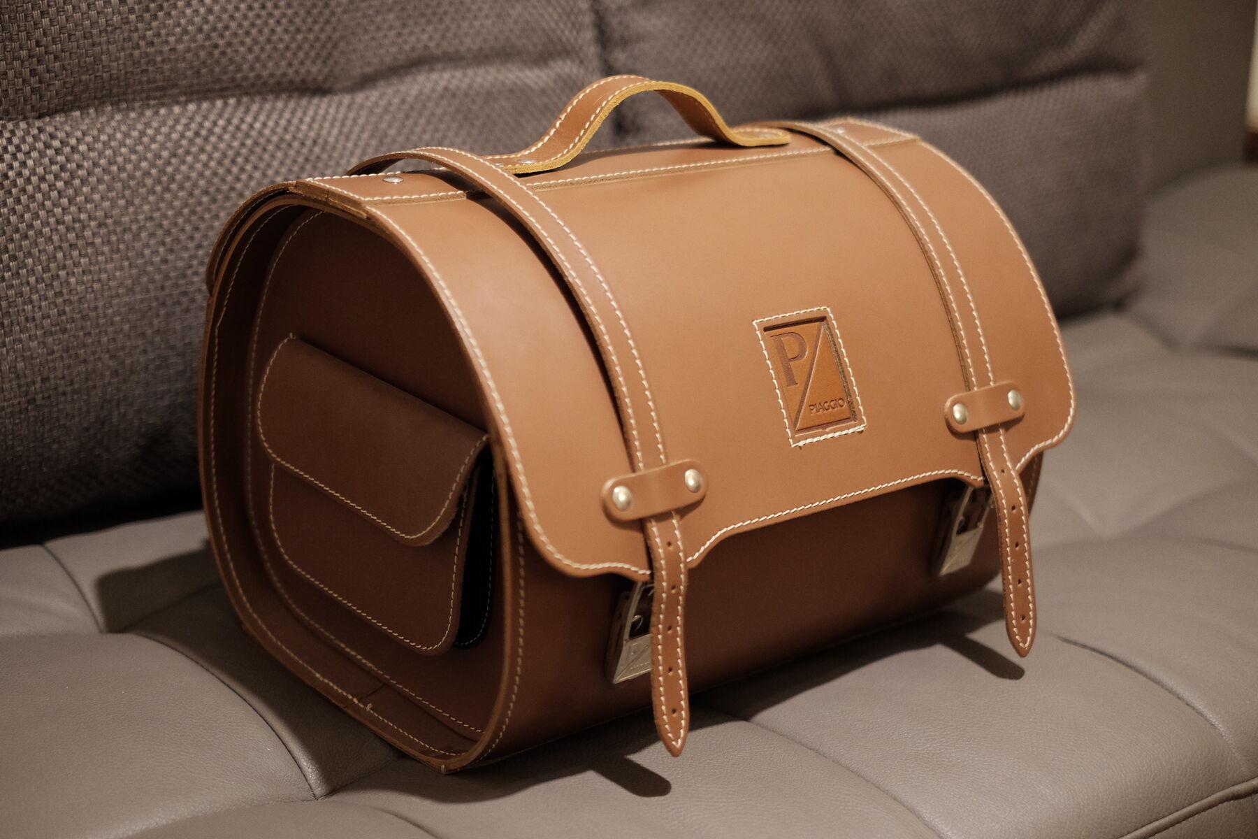 original piaggio leder koffer top case neu unbenutzt. Black Bedroom Furniture Sets. Home Design Ideas